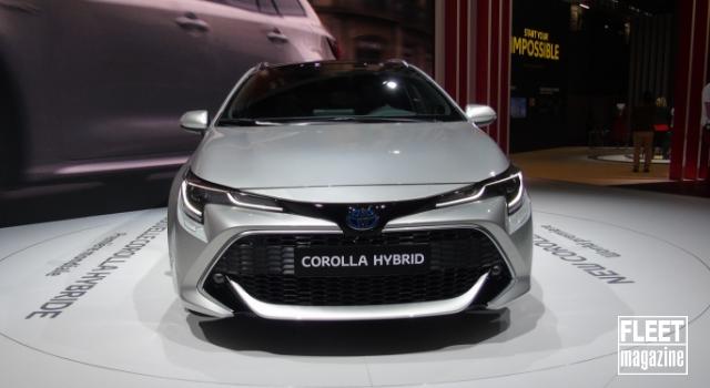 Nuova Toyota Corolla Hybrid 2019 in anteprima al Salone dell'automobile di Parigi