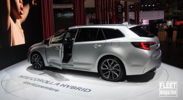 Nuova Toyota Corolla Hybrid 2019 al Salone dell'automobile di Parigi