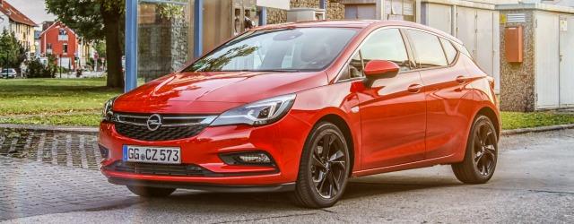 Tra le auto a metano c'è l'Opel Astra ecoM