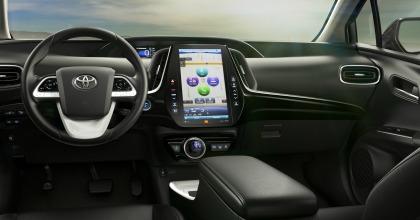 plancia Toyota Prius Plug-in 2016