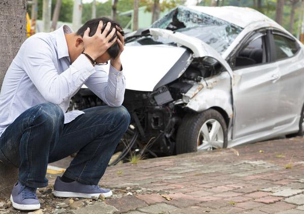 Sicurezza auto incidenti stradali giovani neopatentati