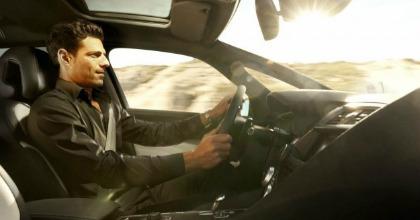 La posizione di guida corretta in auto