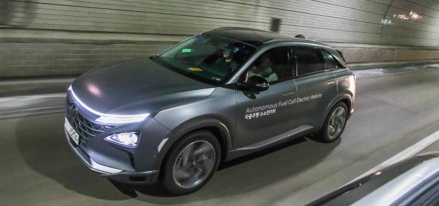 test guida autonoma auto a idrogeno Hyundai