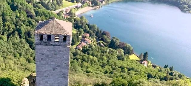 La Torre di Buccione domina dall'alto il Lago d'Orta in Piemonte