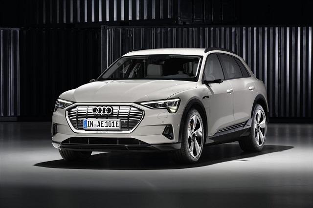 Autonomia di Audi e-tron suv elettrico