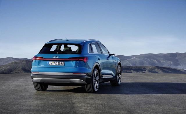 Bagagliaio di Audi e-tron suv elettrico