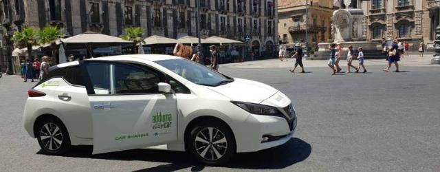 Car sharing elettrico Nissan Leaf Catania