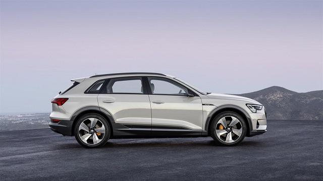 Dimensioni di Audi e-tron suv elettrico