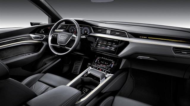 Interni di Audi e-tron suv elettrico