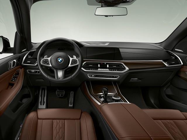 Interni di BMW X5 ibrida plug-in