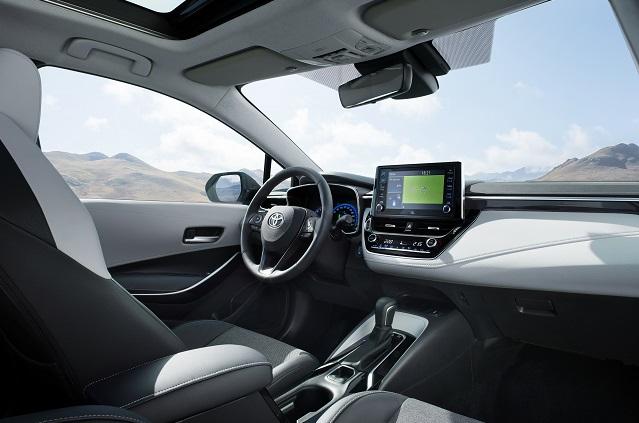 Interni di nuova Toyota Corolla Touring Sports