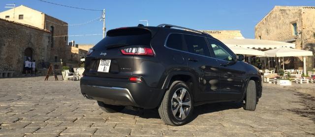 Nuova Jeep Cherokee 2019 posteriore