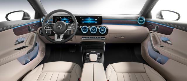 Nuova Mercedes Classe A Berlina interni