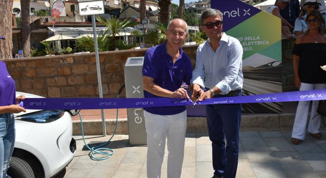 Enel X e Castellabate, inaugurazione colonnina di ricarica