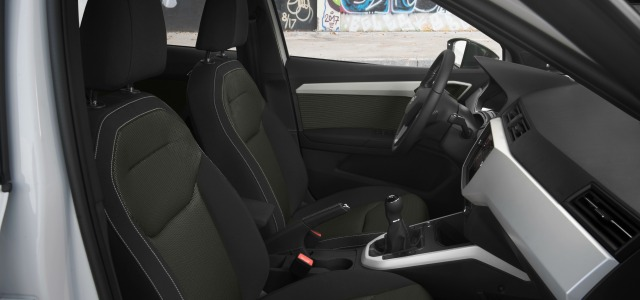 interni nuova Seat Arona 2018