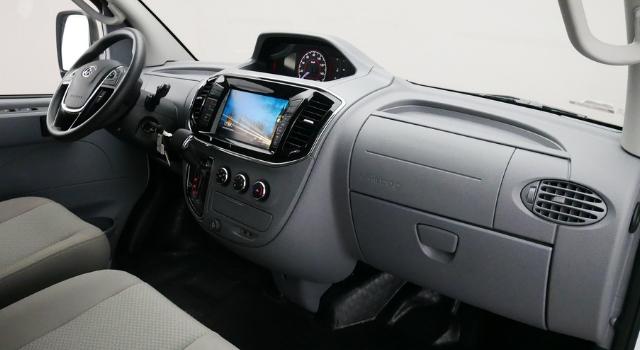 Maxus EV80 LCV elettrico di SIAC, interni anteriore