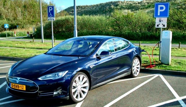 parcheggio autonomia auto elettrica