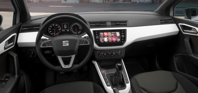 tecnologia nuova Seat Arona 2018