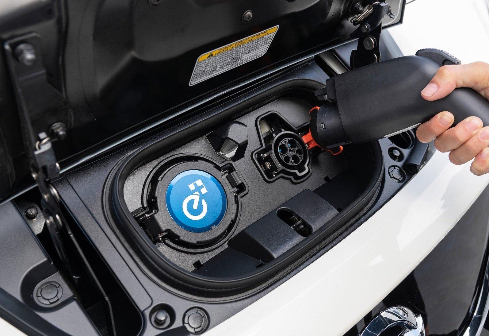 Auto elettriche più autonomia