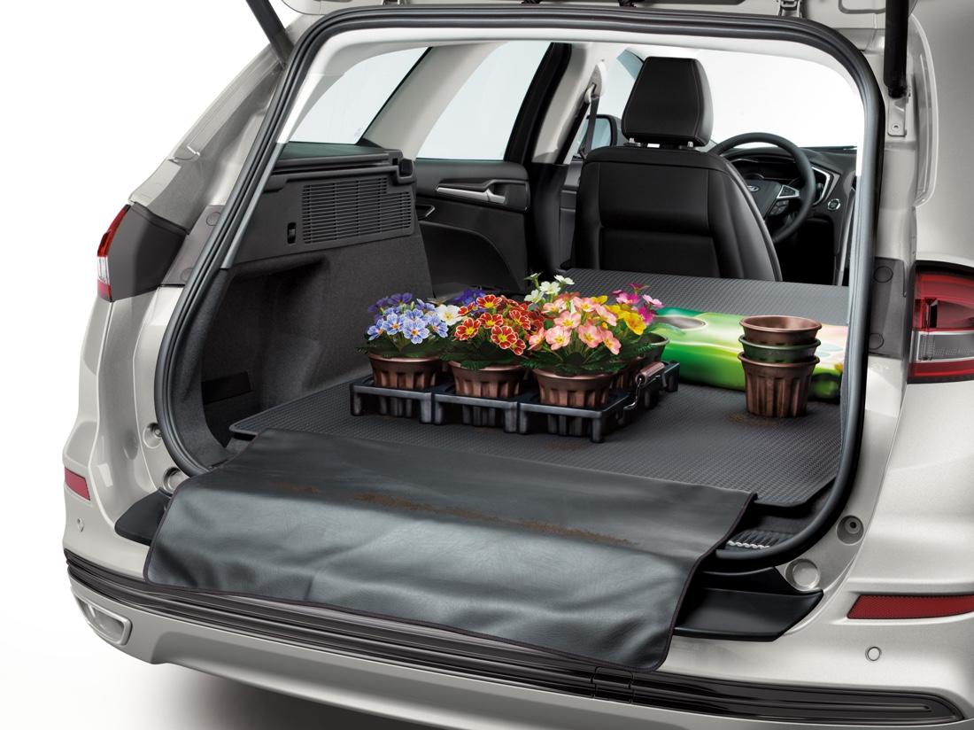 Bagagliaio di Ford Mondeo Hybrid sw