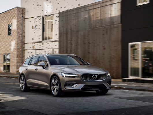 Noleggiare nuova Volvo V60
