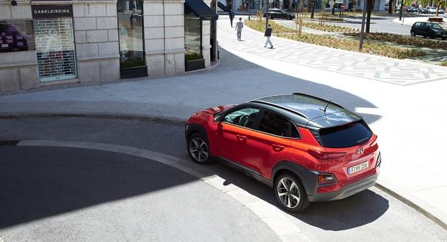 Hyundai Kona auto femminile