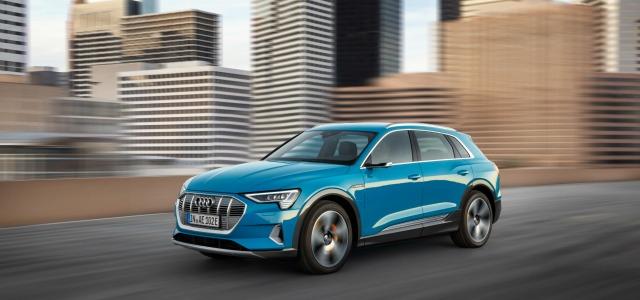 nuova Audi e-tron 2019 su strada