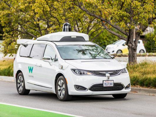 Waymo guida autonoma california