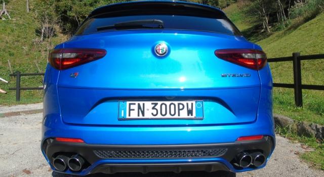 Nuova Alfa Romeo Stelvio Quadrifoglio posteriore