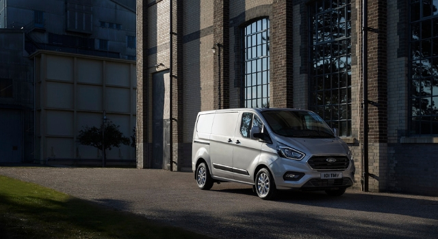 Nuovo Ford Transit Custom ibrido plug-in 2019
