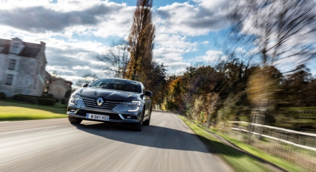 Renault Talisman su strada