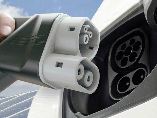 auto elettrica, cosa pensano i driver?