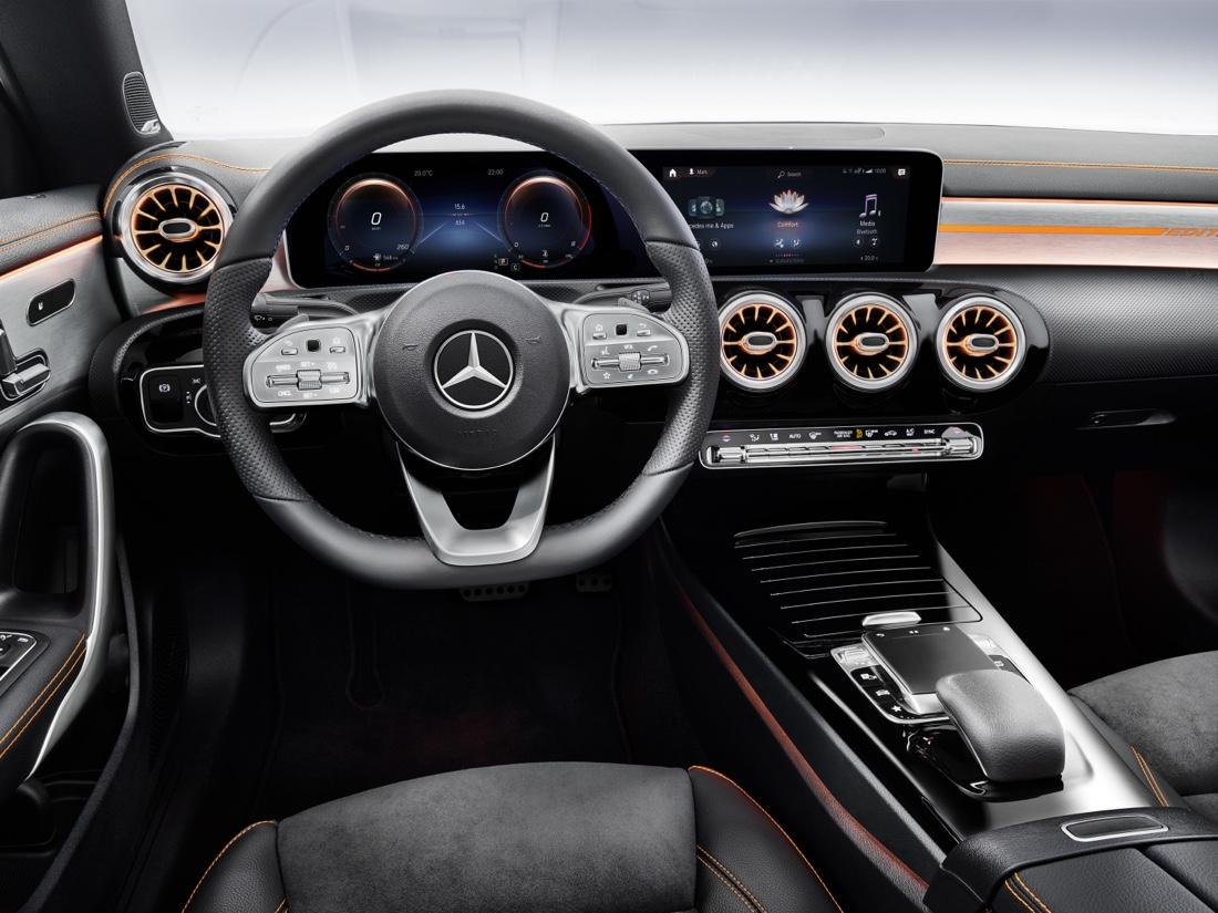 Interni di nuova Mercedes CLA