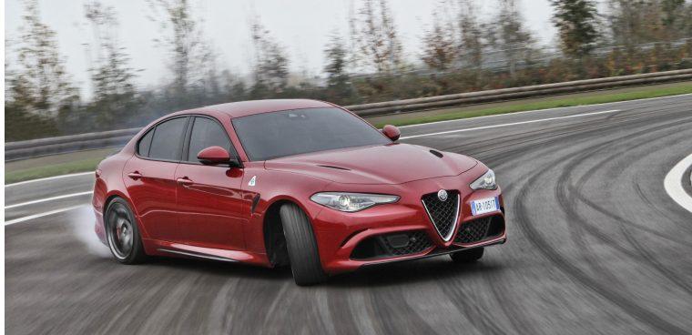 Modalità di guida Alfa Romeo Giulia Quadrifoglio mappatura elettronica