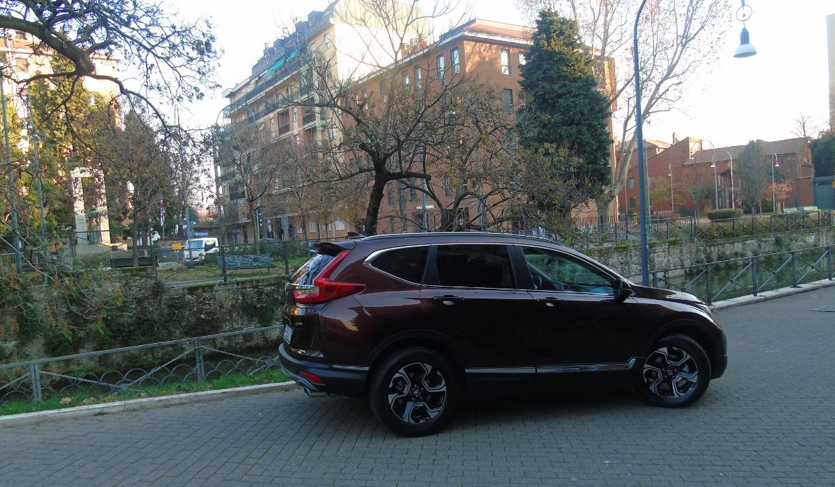 Nuova Honda CR-V 2019 statica