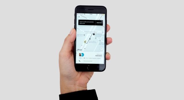 La nuova app di Uber Taxi a Torino