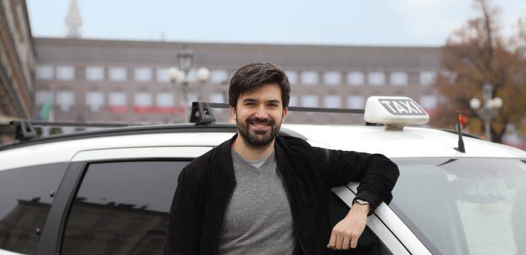 Arriva il servizio Uber Taxi a Torino