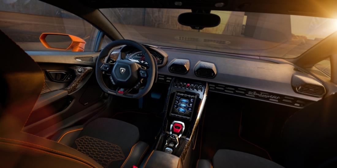 Interni di Lamborghini Huracan Evo