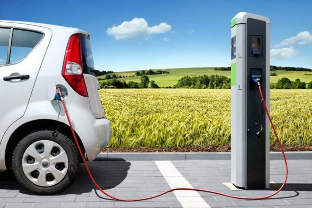 come funziona auto elettrica