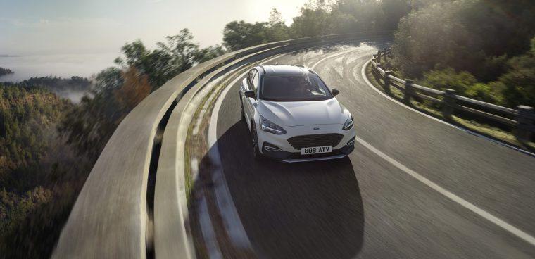 Ford Focus Active: tutti gli ecoincentivi e le formule di finanziamento