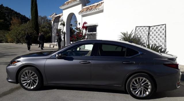 Lexus ES Hybrid 2019, il nostro test drive in anteprima a Malaga