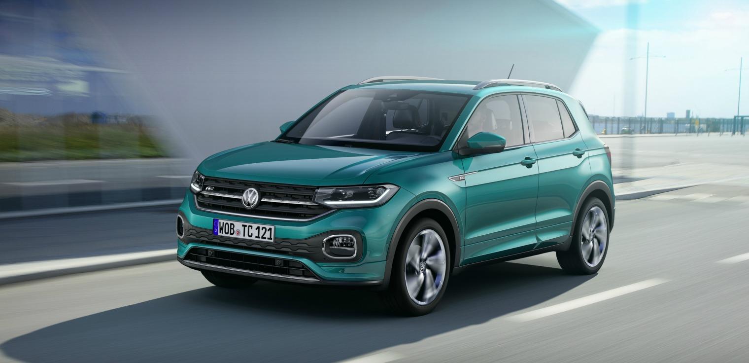 nuova Volkswagen T-Cross 2019 su strada