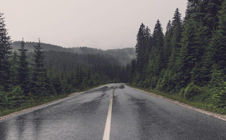 Come guidare con la pioggia