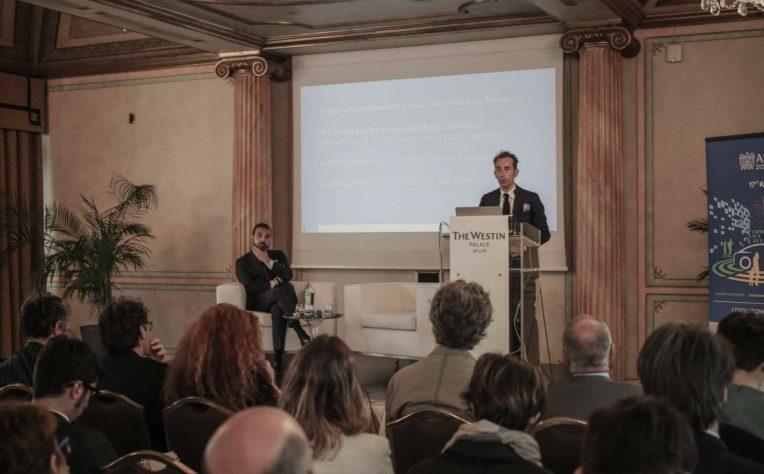 Conferenza Massimiliano Archiapatti presidente Aniasa