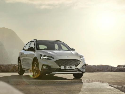 Esterni nuova Ford Focus Active