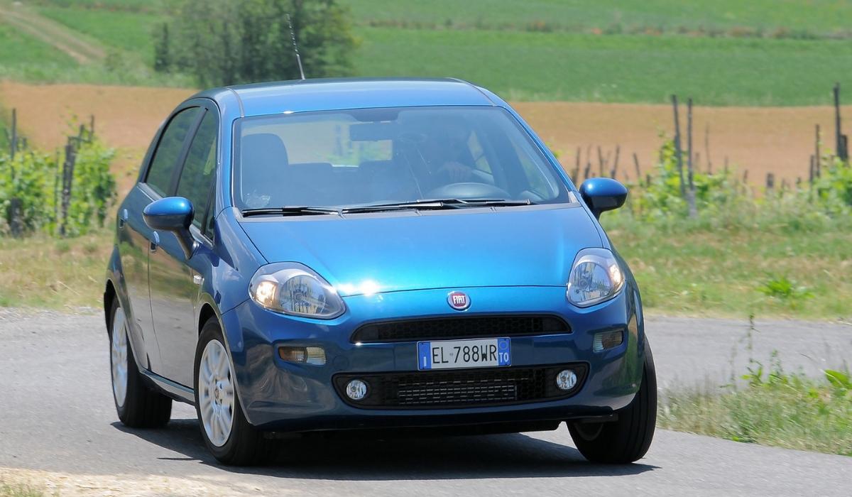 Fiat Punto su strada