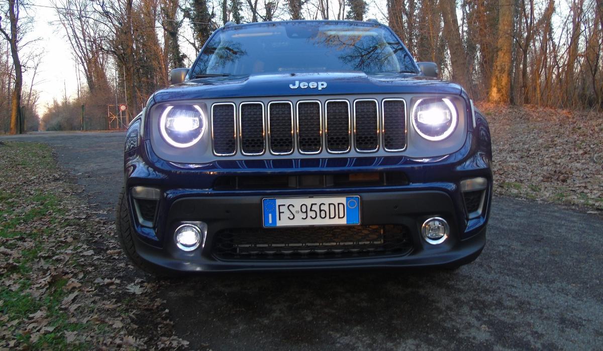 Nuova Jeep Renegade gruppi ottici a Led