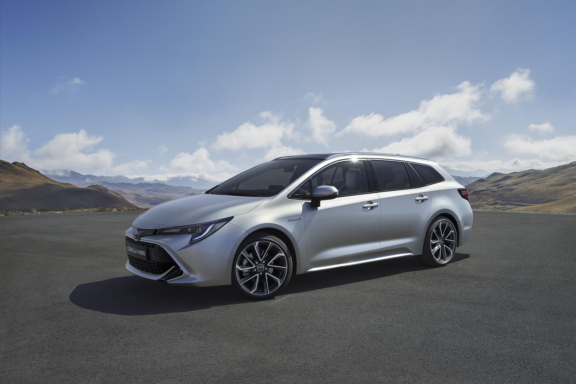 Toyota-Corolla-Touring-Sports-ibrida