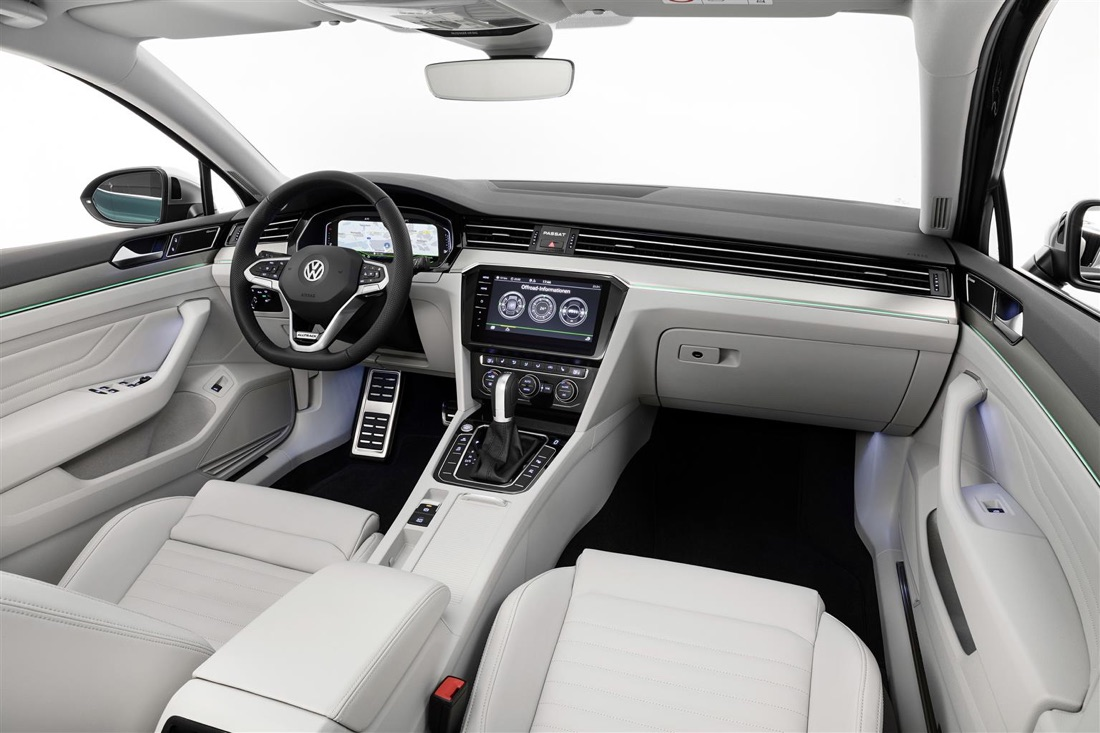 Volante capacitivo di Volkswagen Passat restyling 2019