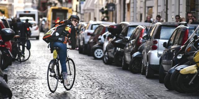 in bici anche contromano